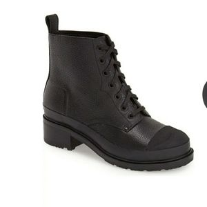 Hunter grainy leather lace up boots